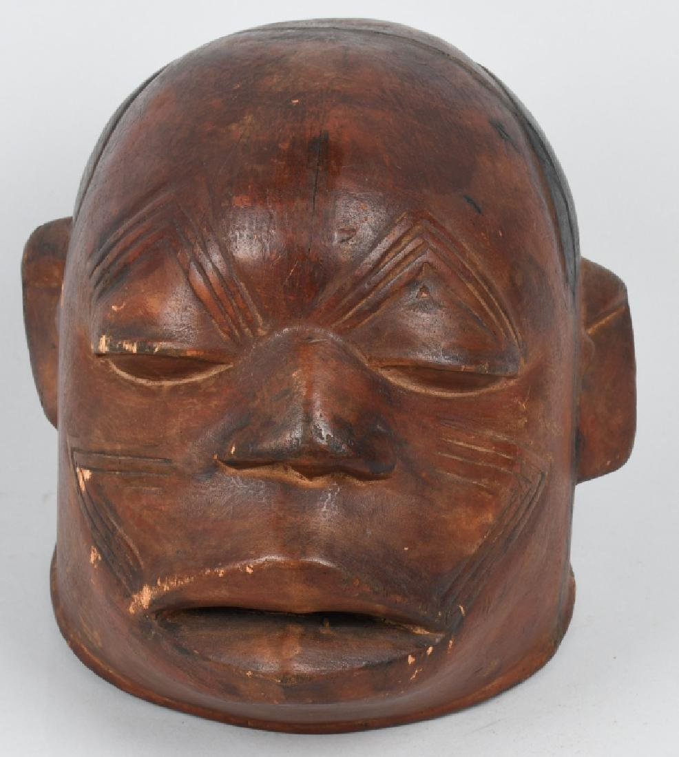 VINTAGE SAMOAN CARVED LIFE SIZE CEREMONIAL HEAD