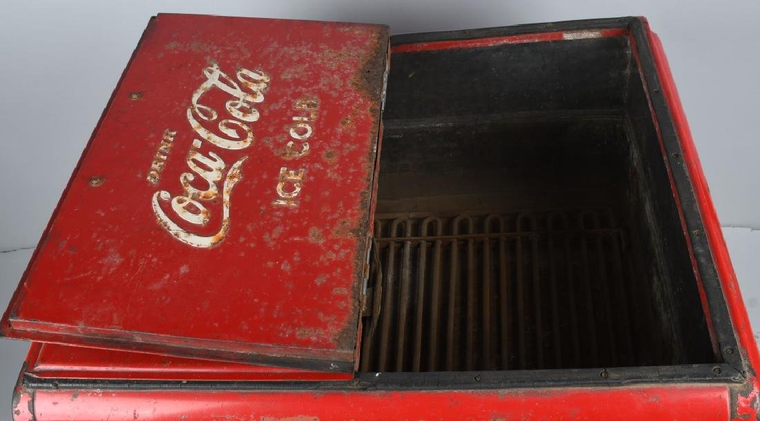 1940s COCA COLA DOUBLE DOOR CHEST COOLER - 5