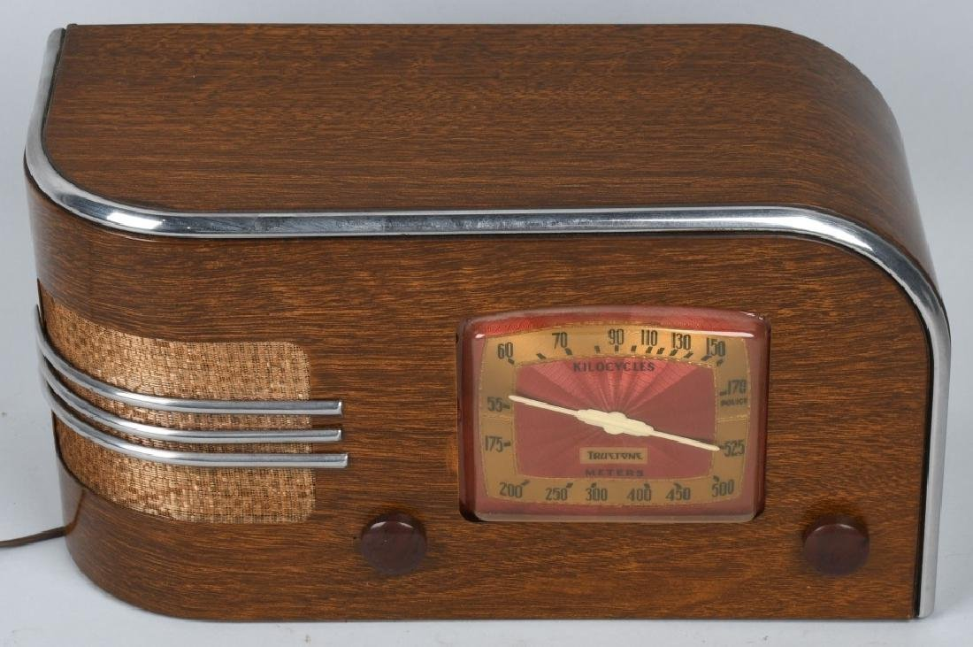1940s TRUETONE ART DECO RADIO