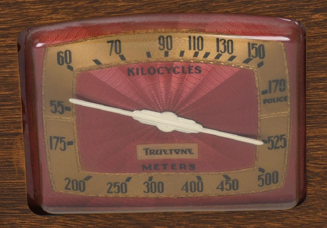 1940s TRUETONE ART DECO RADIO - 2