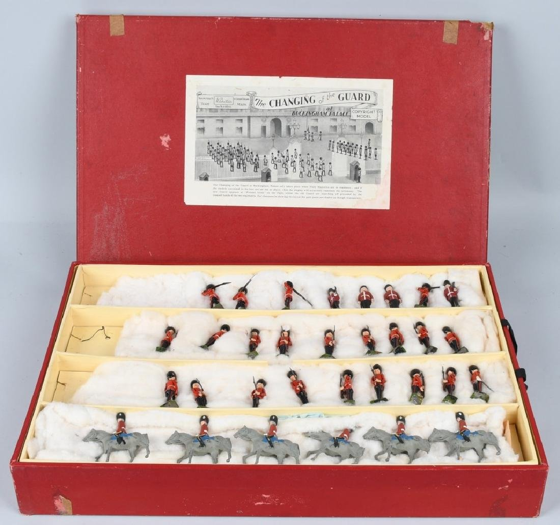 BRITAINS #1555 CHANGING OF THE GUARD SET MIB