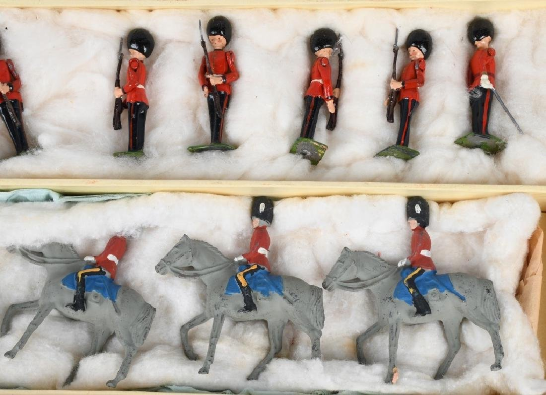 BRITAINS #1555 CHANGING OF THE GUARD SET MIB - 2
