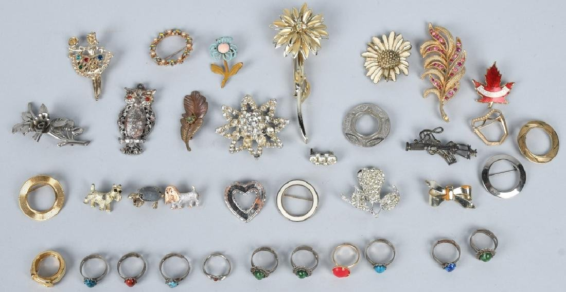 VINTAGE COSTUME JEWELRY BROACHES and RINGS