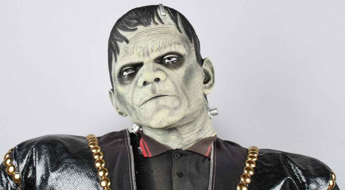 7\' FRANKENSTEIN LIFESIZE MOVIE THEATER DISPLAY - 2