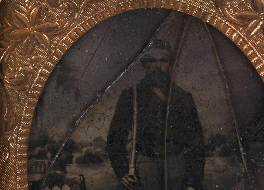 CIVIL WAR SOLDIER AMBROTYPE & IDED TINTYPE - 5