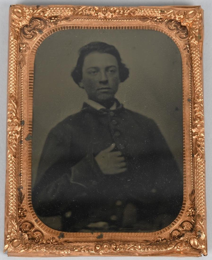 CIVIL WAR UNION SOLDIER 1/4 PLATE TINTYPE - 3