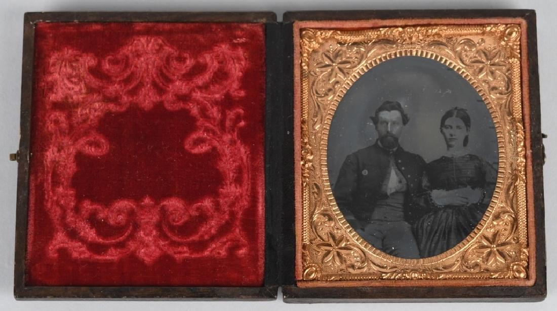 CIVIL WAR 1/6 TINTYPE OF KIA UNION SOLDIER & WIFE