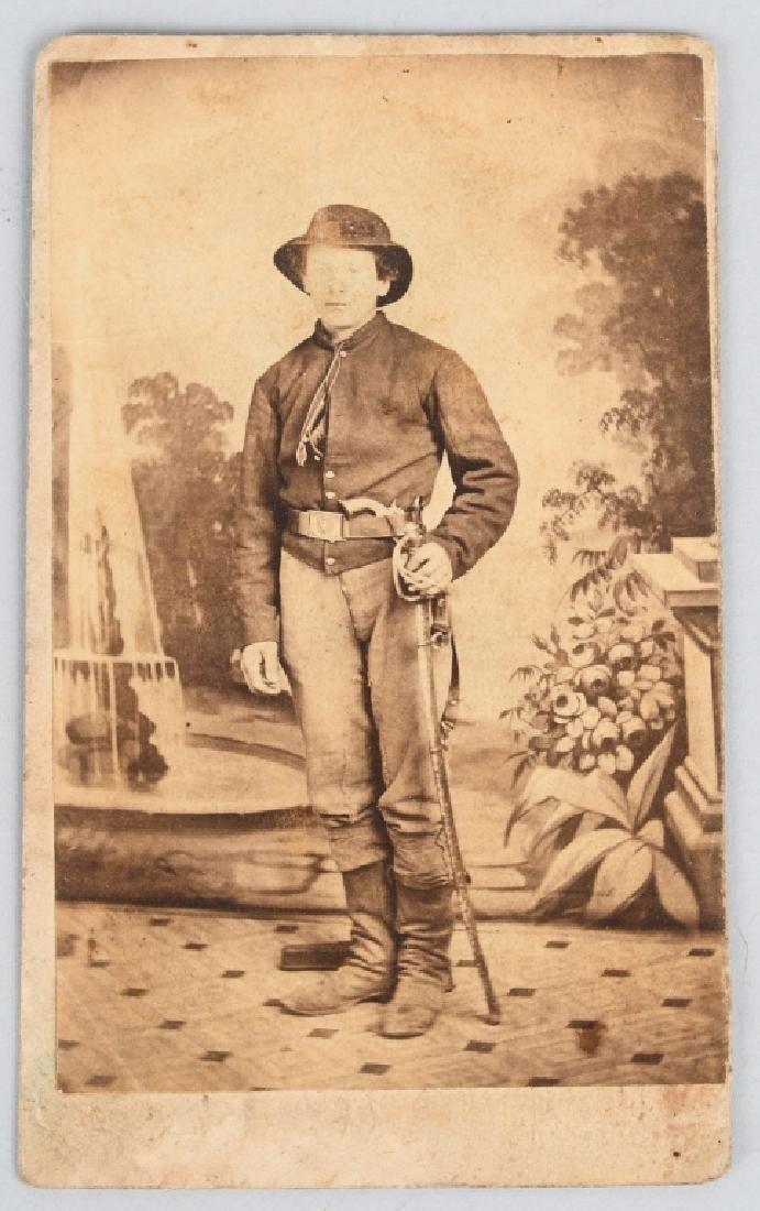 CIVIL WAR ARMED CAVALRY MAN CDV - E. M. RECHER