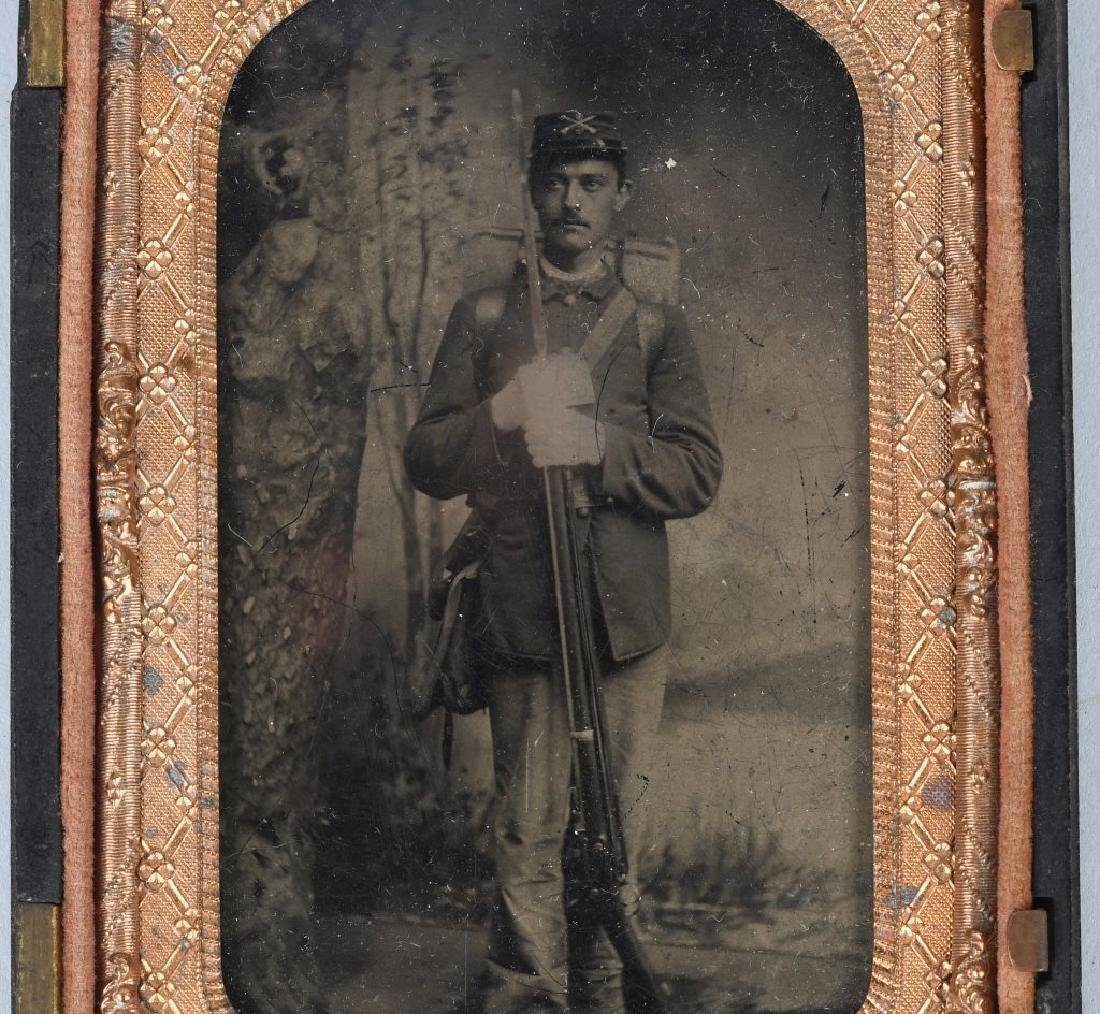 INDIAN WARS 1/8TH TINTYPE SOLDIER ARMED W/ RIFLE - 2