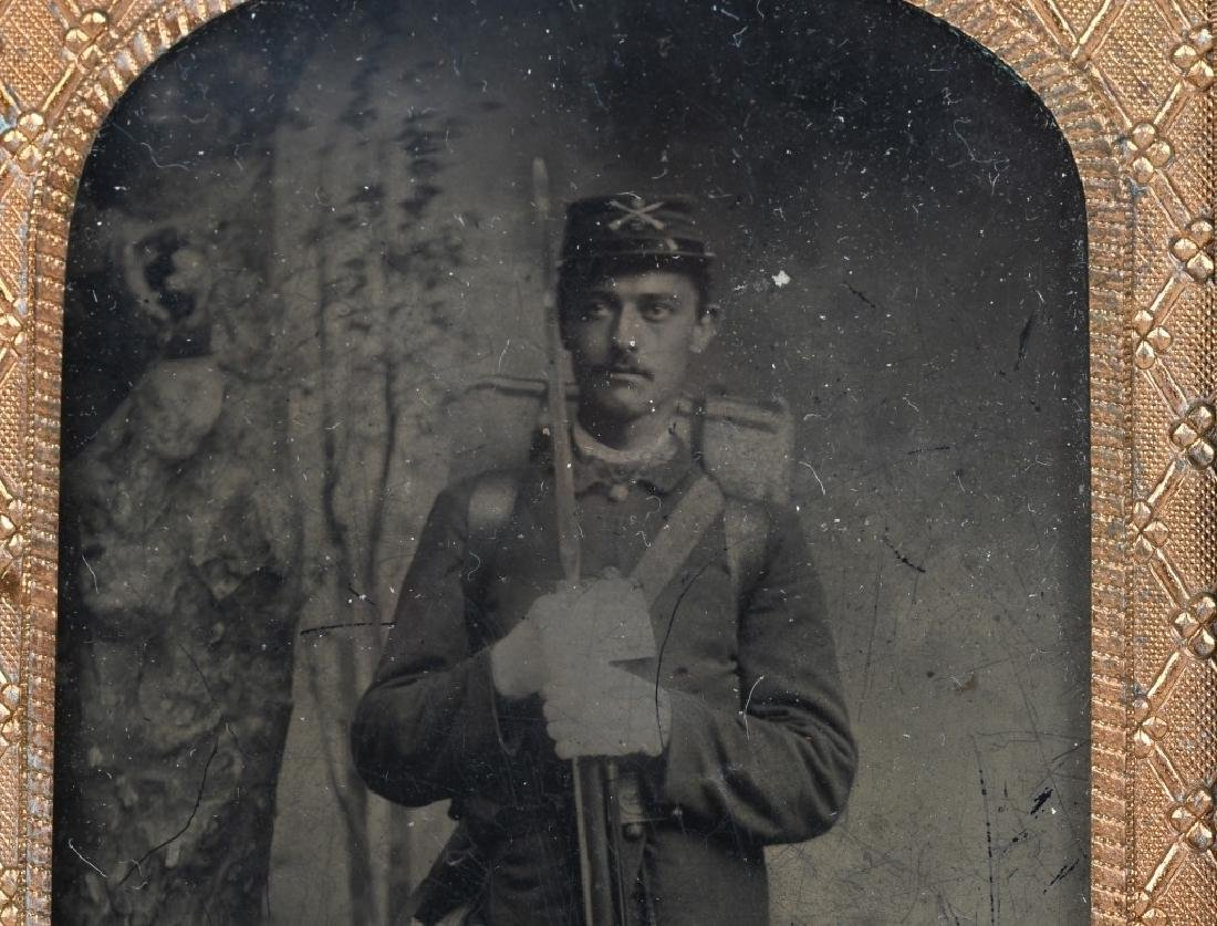 INDIAN WARS 1/8TH TINTYPE SOLDIER ARMED W/ RIFLE - 3