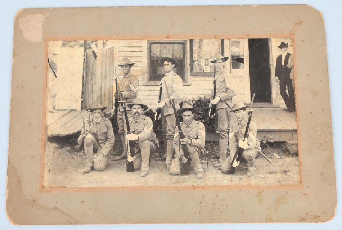 SPAN AM WAR OUTDOOR ALBUMEN - 7 ARMED SOLDIERS