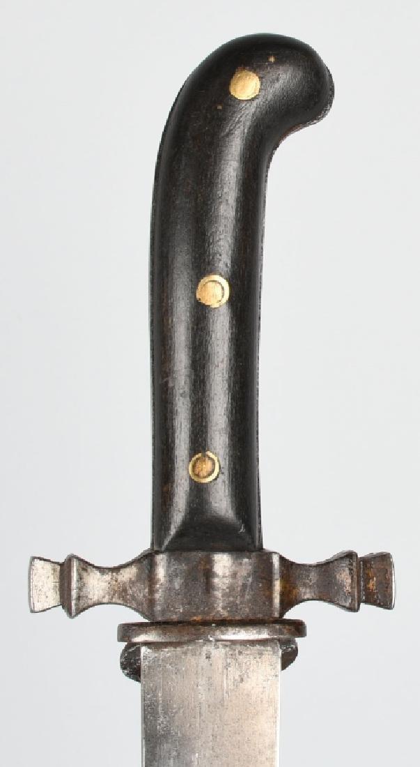 19th CENT. SAW BACK SHORT SWORD - 3