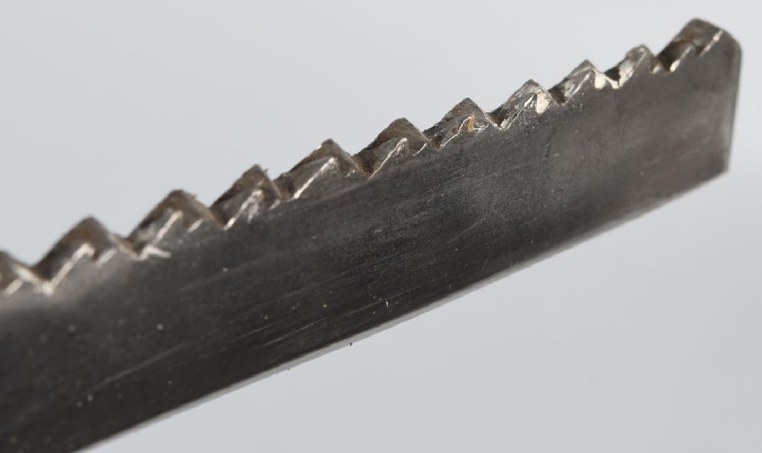 19th CENT. SAW BACK SHORT SWORD - 8