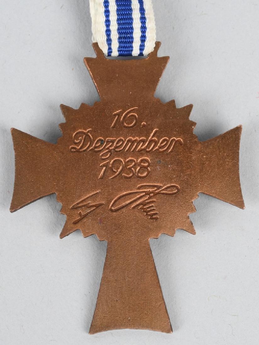 WWII NAZI GERMAN MOTHERS CROSS LOT (2) - 3