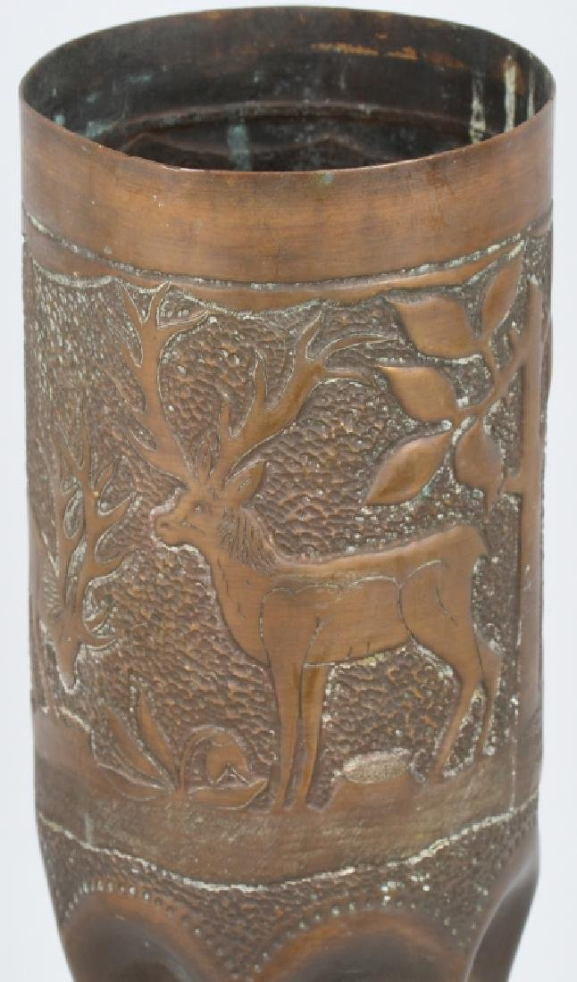WWII 105MM TRENCH ART SHELL WITH HUNTING SCENE - 5
