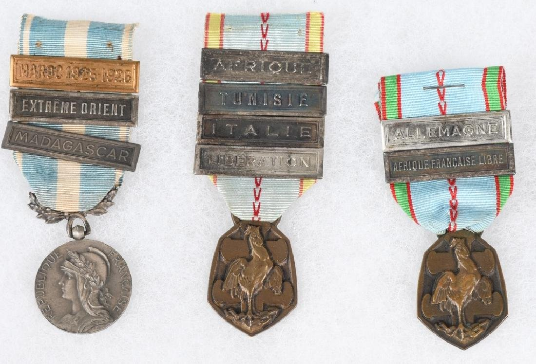 WWI - WWII FRENCH MEDAL LOT - 5