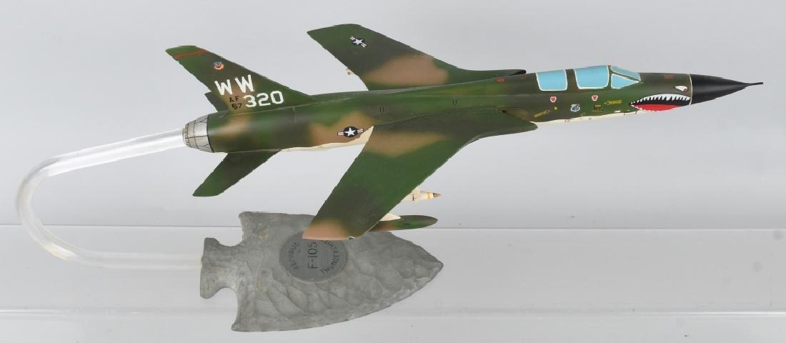VIETNAM WAR F-105F MODEL GIVEN -100 MISSION PILOTS - 2