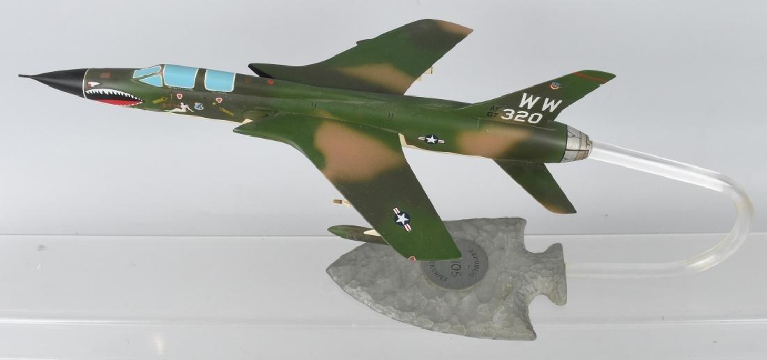 VIETNAM WAR F-105F MODEL GIVEN -100 MISSION PILOTS - 3