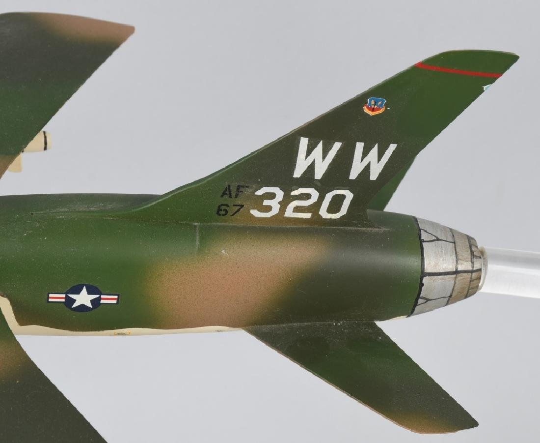 VIETNAM WAR F-105F MODEL GIVEN -100 MISSION PILOTS - 5