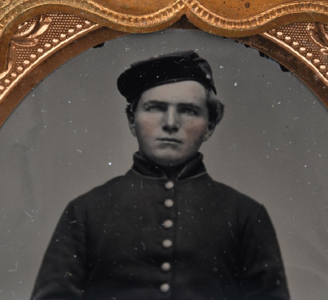 CIVIL WAR 1/6TH PLATE AMBROTYPE - UNION SOLDIER - 2