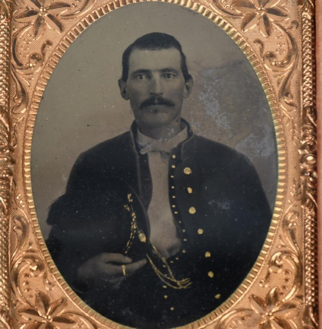 CIVIL WAR 1/4 TINTYPE SOLDIER W PLUMED SLOUCH HAT - 2