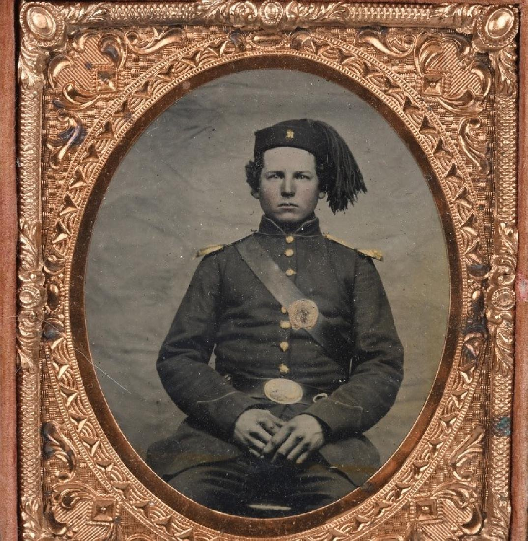 CIVIL WAR ZOUAVE SOLDIER 1/6TH PLATE TINTYPE - 2