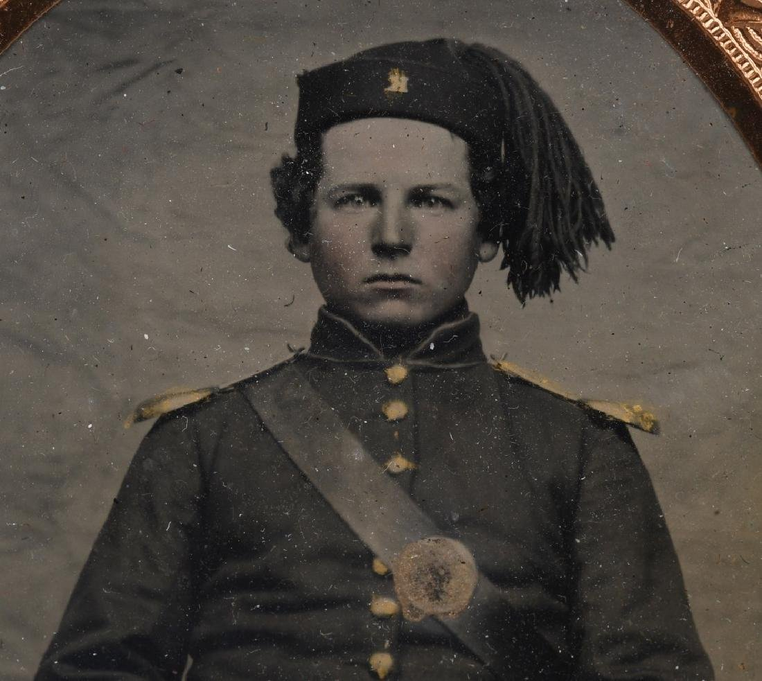 CIVIL WAR ZOUAVE SOLDIER 1/6TH PLATE TINTYPE - 3