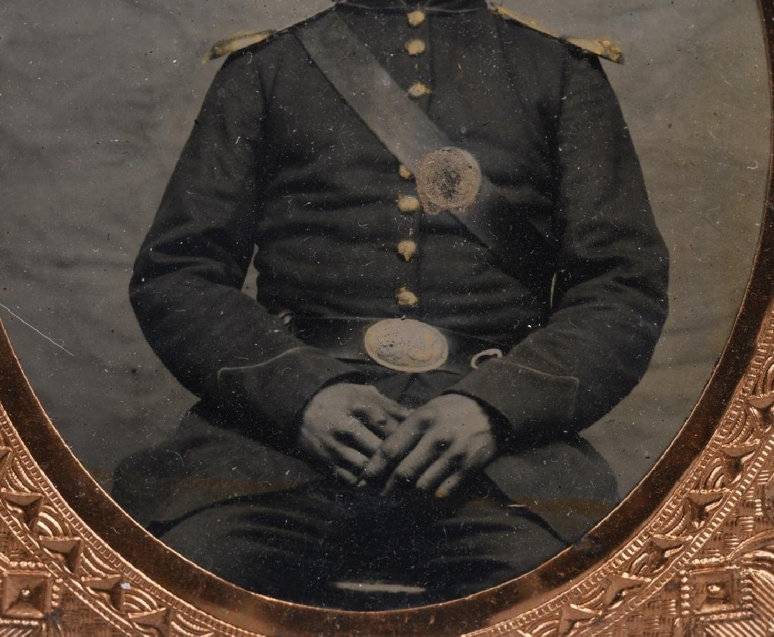 CIVIL WAR ZOUAVE SOLDIER 1/6TH PLATE TINTYPE - 4