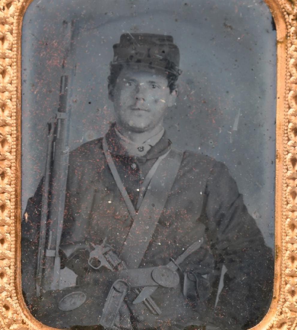 CIVIL WAR AMBROTYPE SOLDIER W/ PISTOL RIFLE KNIFE - 2