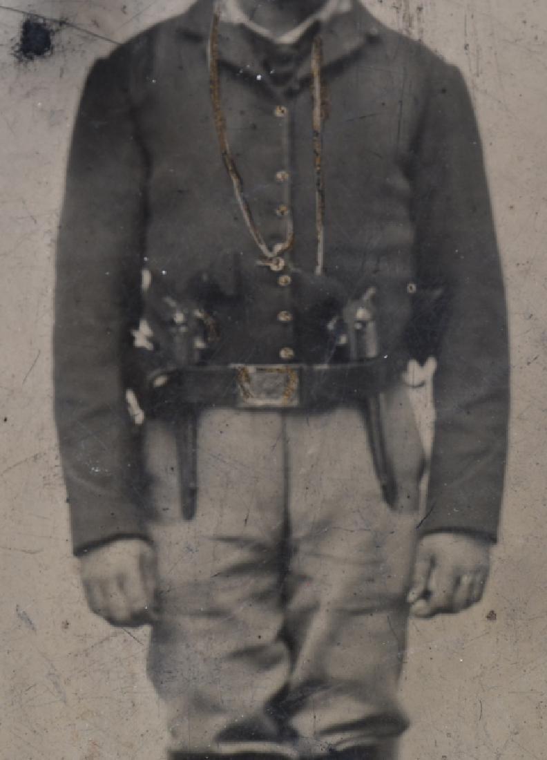 CIVIL WAR 1/4.TINTYPE UNION CAV SOLDIER 2 PISTOLS - 3