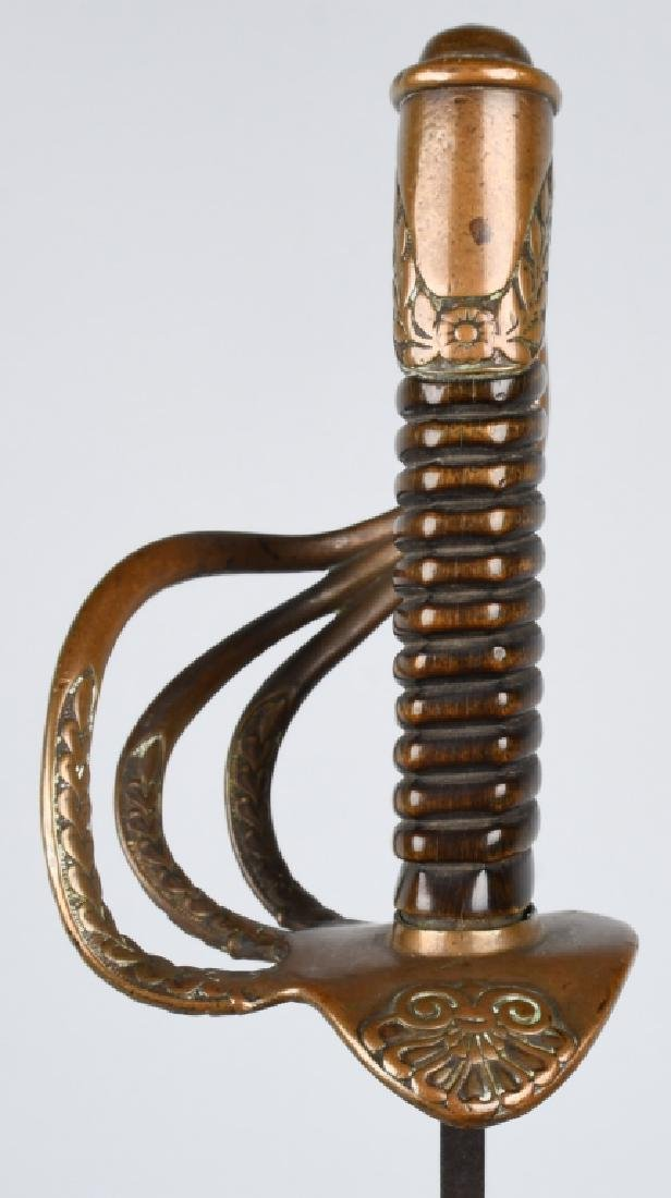 19TH CENTURY CAVALRY OFFICER'S SABER SWORD - 3