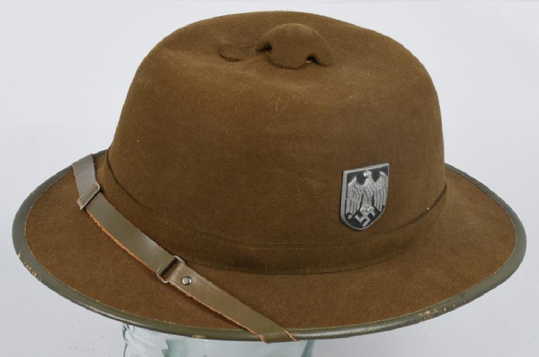 WWII NAZI GERMAN 2ND PATTERN ARMY PITH HELMET