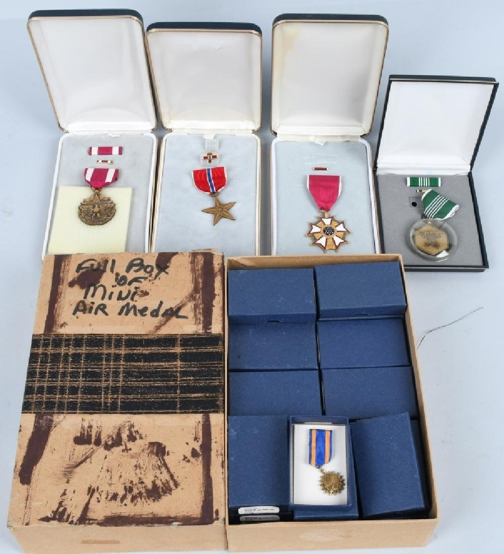 UNITED STATES CONTEMPORARY MEDAL LOT