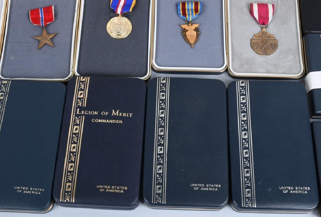 UNITED STATES CONTEMPORARY CASED MEDAL LOT (16) - 4