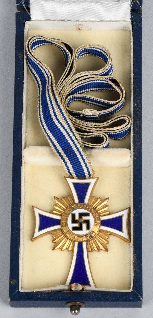 WWII NAZI GERMAN MOTHERS CROSS IN GOLD IN CASE