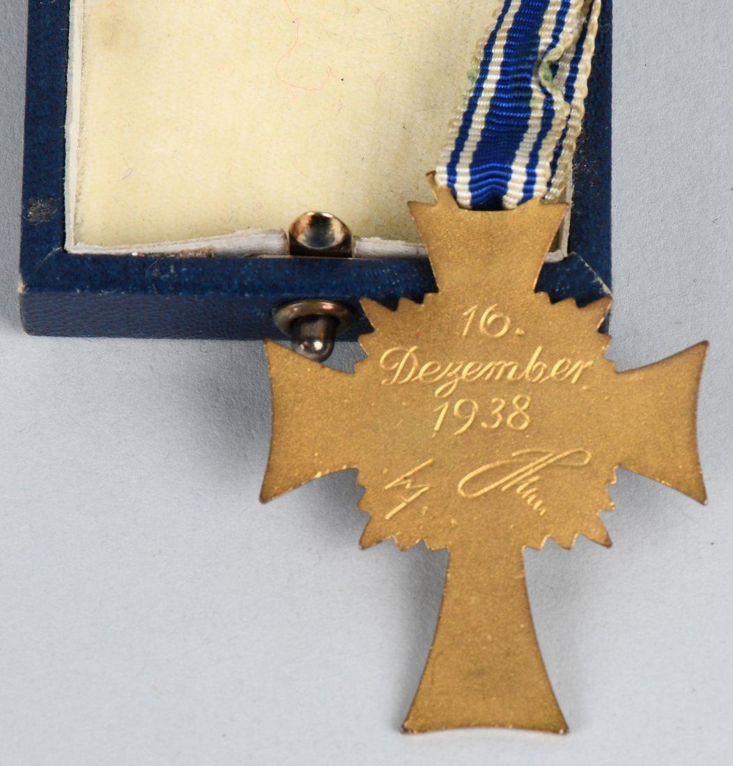 WWII NAZI GERMAN MOTHERS CROSS IN GOLD IN CASE - 2