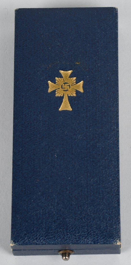 WWII NAZI GERMAN MOTHERS CROSS IN GOLD IN CASE - 4