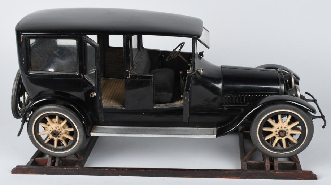 1919 CADILLAC TYPE 57 LIMO 1/8 FACTORY CAR MODEL - 2