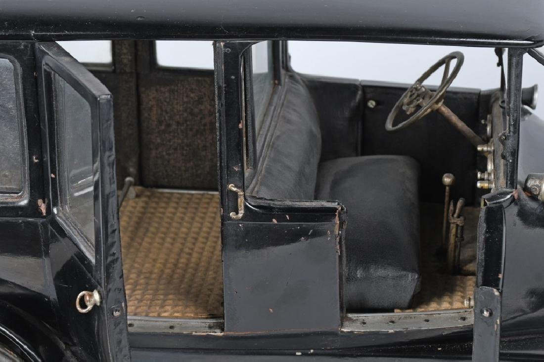1919 CADILLAC TYPE 57 LIMO 1/8 FACTORY CAR MODEL - 3