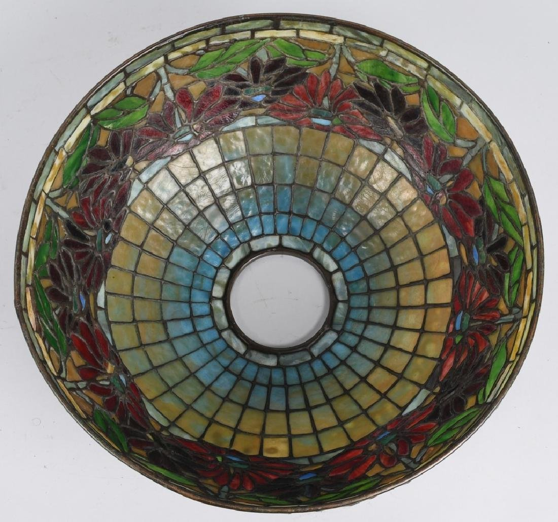 TIFFANY STUDIOS POINSETTIA LEADED GLASS TABLE LAMP - 9