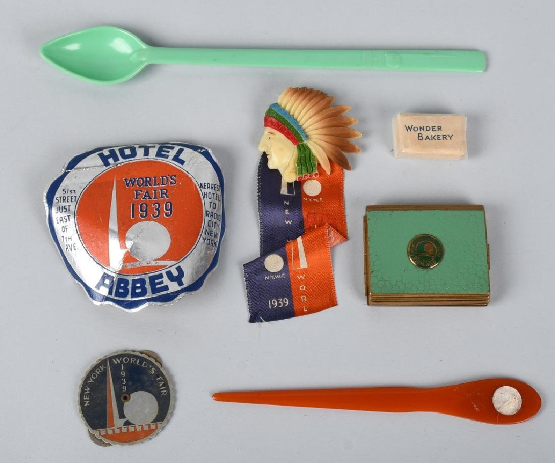 10- 1939 NEW YORK WORLDS FAIR SOUVENIRS - 4
