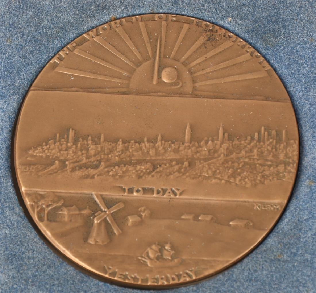 1939 NEW YORK WORLDS FAIR SOUVENIRS - 7