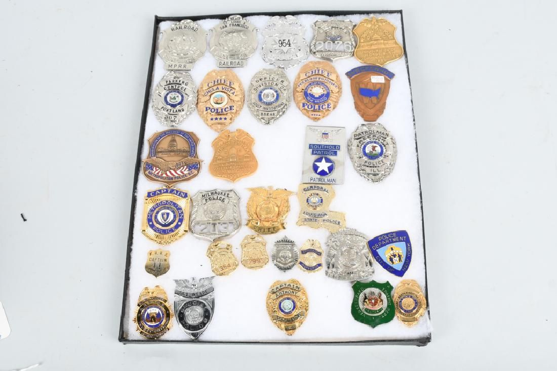 30 POLICE SECURITY PRESIDENT INAUGURATION BADGES