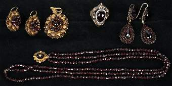 VICTORIAN GARNET JEWELRY COLLECTION