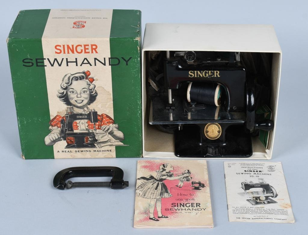 SINGER Model 20 SEWHANDY CHILDS SEWING MACHINE