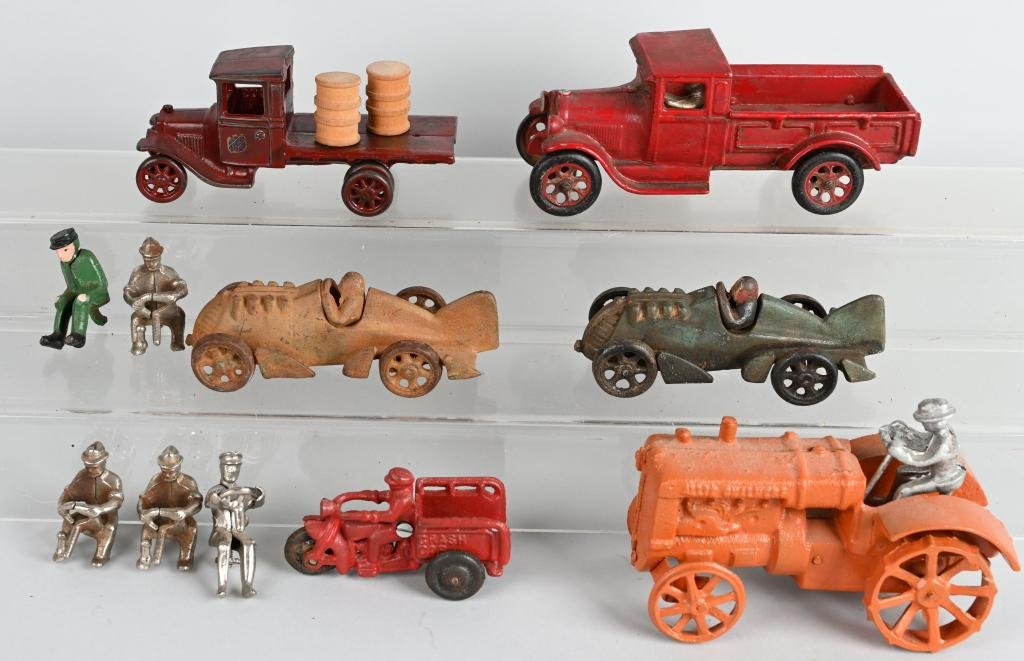 LOT MODERN and VINTAGE cast iron TOYS