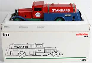 MARKLIN CLOCKWORK STADARD OIL TRUCK w/ BOX