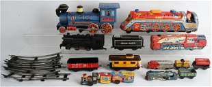 LOT OF VINTAGE TOY TRAINS