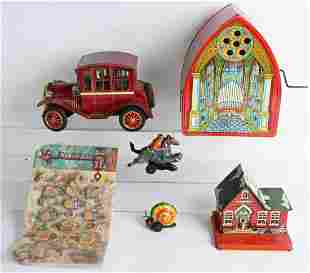 LOT OF VINTAGE TIN TOYS