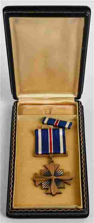 WWII US AIR CORPS DISTINGUISHED FLYING CROSS MEDAL